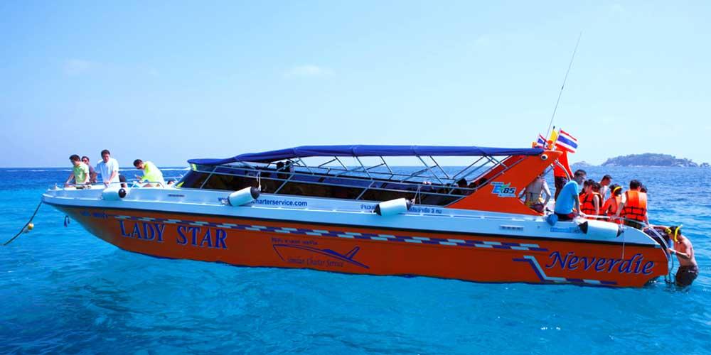 Snorkelling speedboat