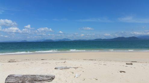 Koh Kam- central island